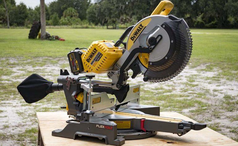 DeWalt-FlexVolt-120V-Max-Double-Bevel-Sliding-Compound-Miter-Saw-Profile-770x472
